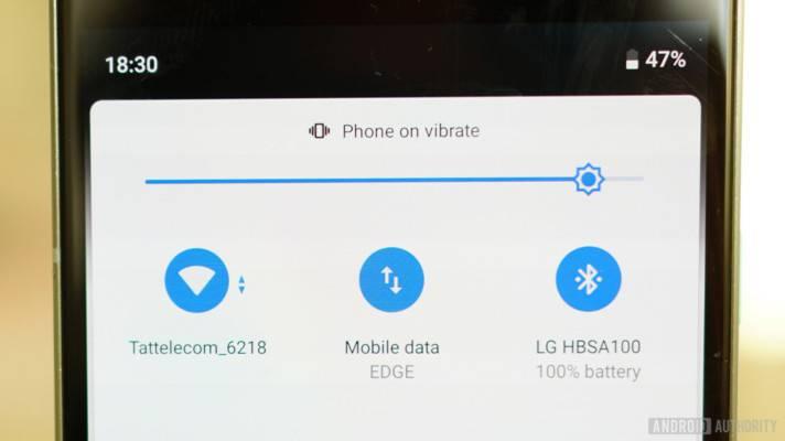 Android-9-Pie-review-Quick-Settings-Wi-Fi-Bluetooth-Cellular-Vibrate-712x400 هرآنچه که میبایست در رابطه با eSIM بدانید: مزایا و معایب این روش ارتباطی جدید