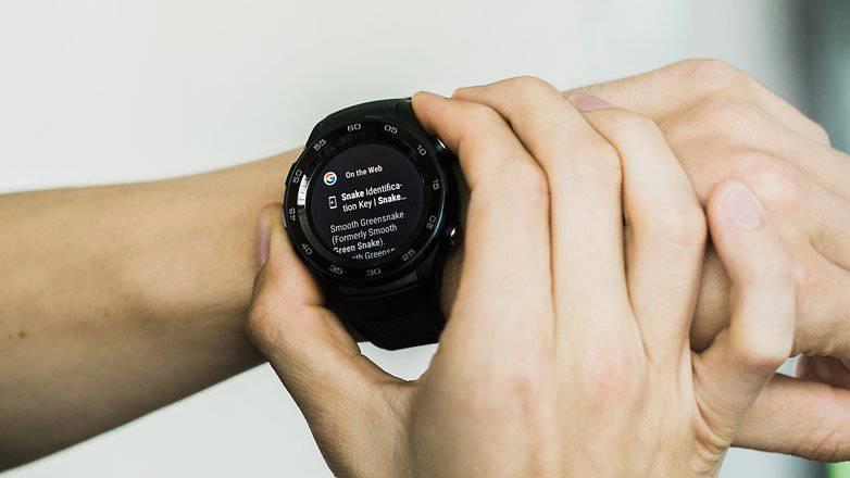 AndroidPIT-huawei-watch-philips-hue-5826-w782 نحوه استفاده از گوگل اسیستنت در ساعتهای هوشمند