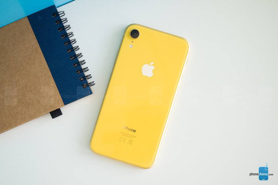 The-iPhone-XR-is-reportedly-not-selling-as-well-as-Apple-and-analysts-predicted براساس گزارشات میزان فروش آیفون XR از پیشبینی اپل و تحلیلگران کمتر بوده است
