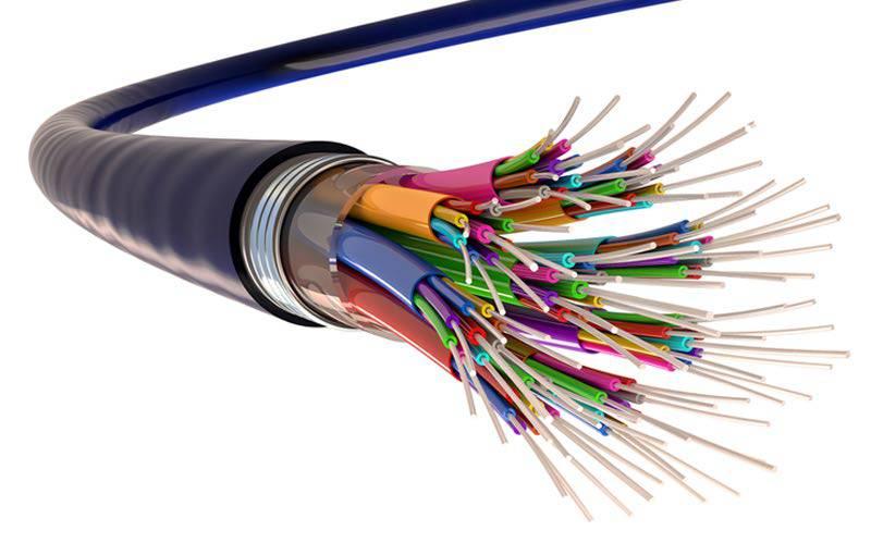 fiber اینترنت فیبر نوری چیست و چه تفاوتهایی با انواع دیگر دارد؟