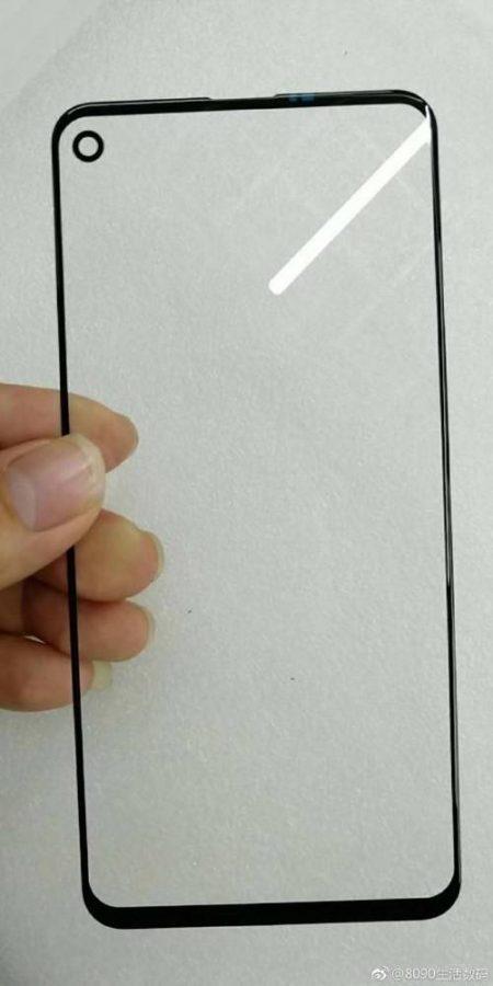 انتشار تصویری جدید از محافظ شیشهای حفرهدار نمایشگر Infinity-O سامسونگ گلکسی A8s