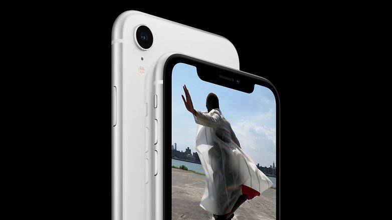 iPhone_XR_4-w782 آیفون XR: شکستی دوباره که اپل سزاوار آن است