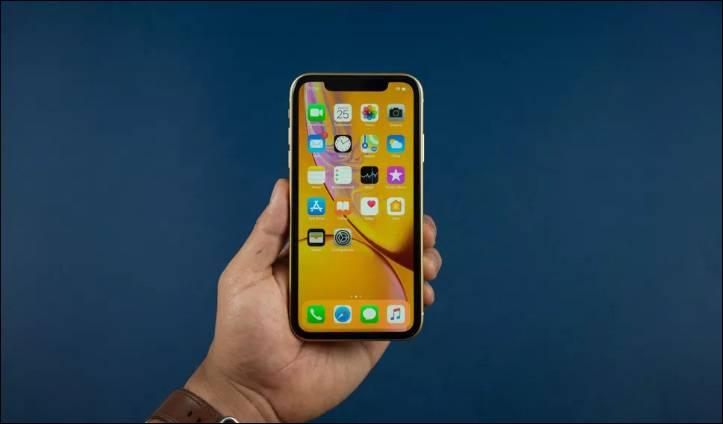 iphone-xr از سرگیری تولید آیفون قدیمی؛ اپل باز هم دست به دامن آیفون X شد!