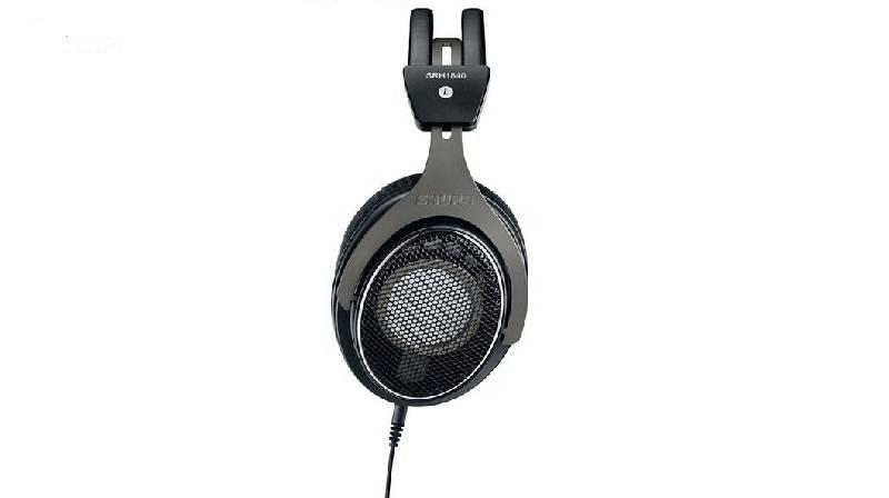 shureHeadphones-1-2 با بهترین هدفونهای شور آشنا شوید (آبان ماه ۹۷)