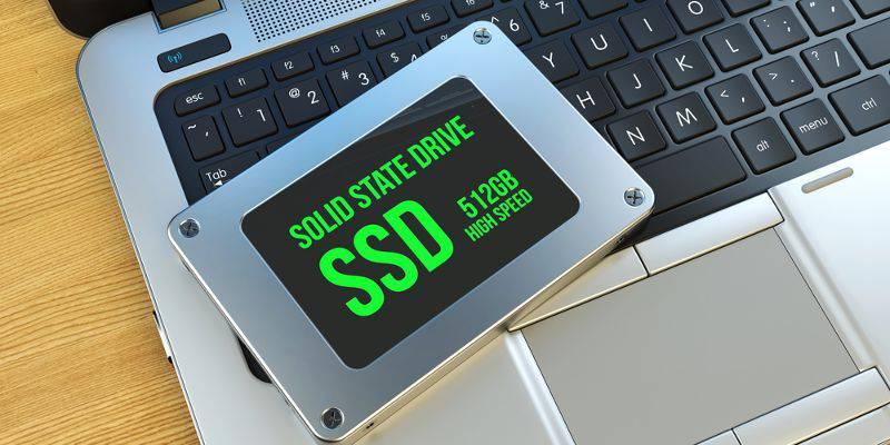 ssd-windows-featured چگونه میتوان سلامت SSD خود را بر روی ویندوز 10 بررسی کرد؟