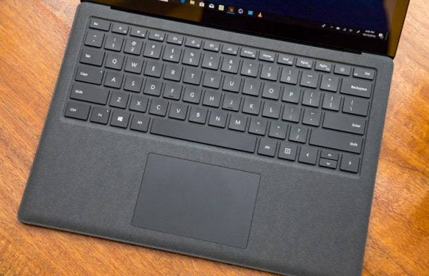 surface-laptop- مقایسه مکبوک ایر 2018 و سرفیس لپتاپ 2