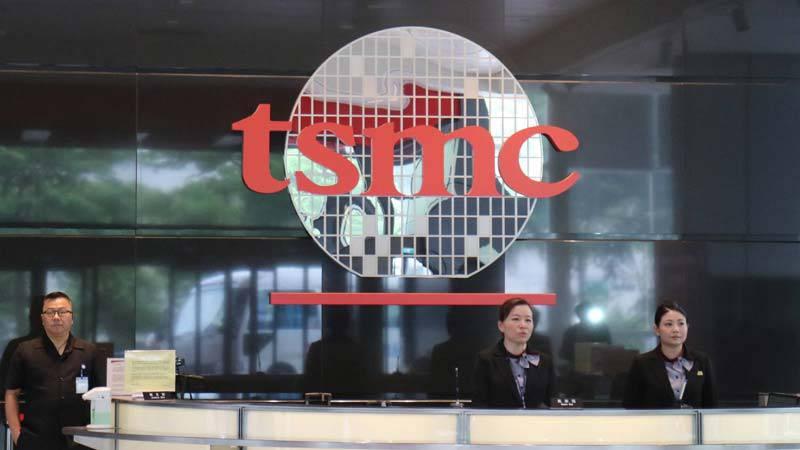 tsmc-image-wccftech.com_ ترافیک شدید کاری در خط تولید پردازندههای 7 نانومتری شرکت TSMC با وجود کاهش سفارشات آیفون!