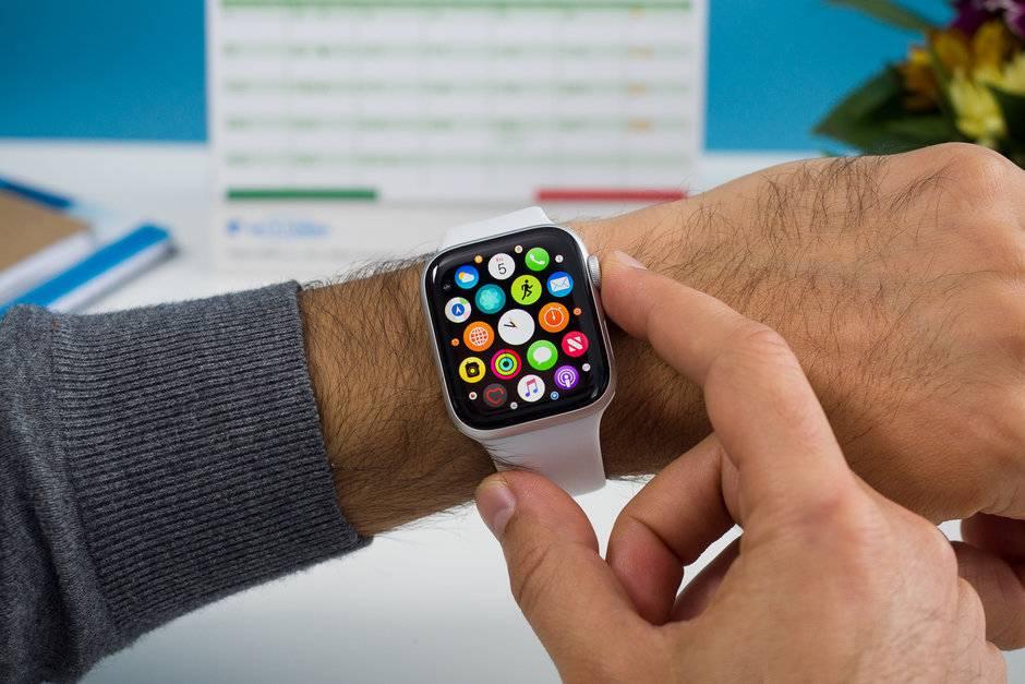 Apple-Watch-Series-4-ECG-functionality-is-going-live-today-with-watchOS-5.1.2 با انتشار WatchOS 5.1.2 قابلیت ثبت نوار قلب در اپلواچ سری 4 فعال شد