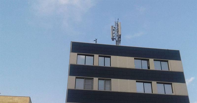 BTS-Antenna-01 یک ارزانی سودجویانه: منازل مجاور آنتنهای موبایل را گران بفروشید