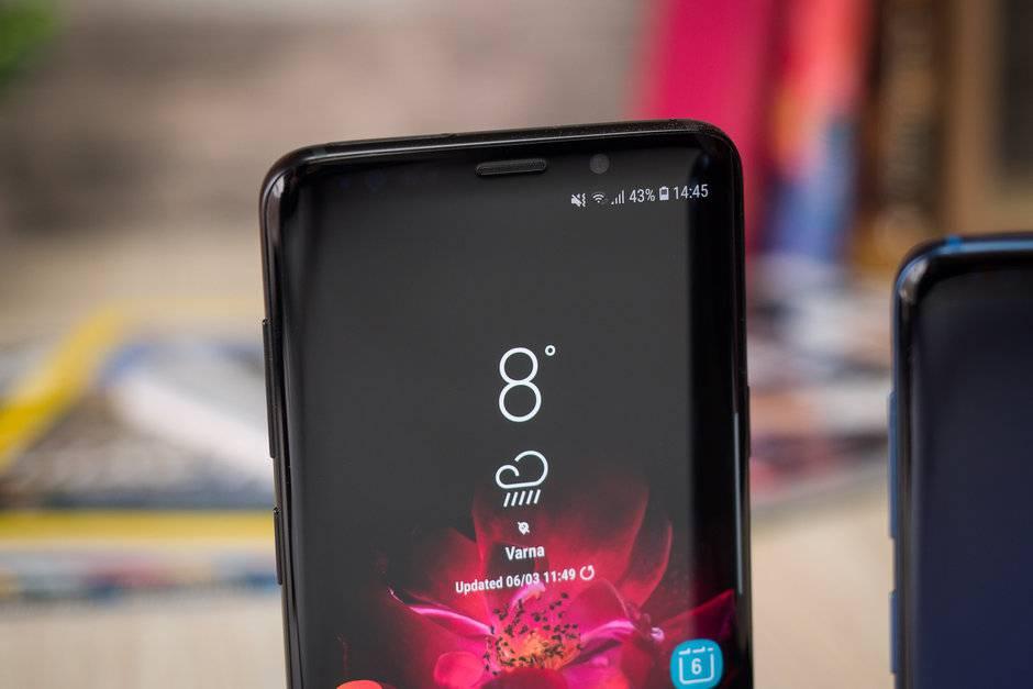 Samsung-mid-rangers-could-eventually-feature-curved-edge-LCD-displays گوشیهای میانرده آینده سامسونگ میتوانند از نمایشگرهای LCD با لبههای خمیده استفاده کنند