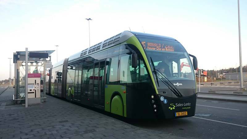 Van_Hool_bus_at_Luxembourg_Airport_02 لوگزامبورگ به اولین کشور جهان با سیستم حمل و نقل رایگان بدل خواهد شد