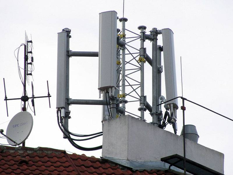 lte20130401-belehrad یک ارزانی سودجویانه: منازل مجاور آنتنهای موبایل را گران بفروشید