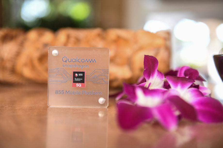 snapdragon_855_5g_chip_case_aloha.1543956297 کوالکام پردازنده اسنپدراگون 855 را برای گوشیهای 5G معرفی کرد
