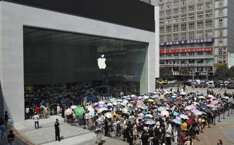 vidy-marketinga-ochered-v-applestore کوالکام قصد دارد فروش آیفون XS و آیفون XS Max را در چین متوقف کند!