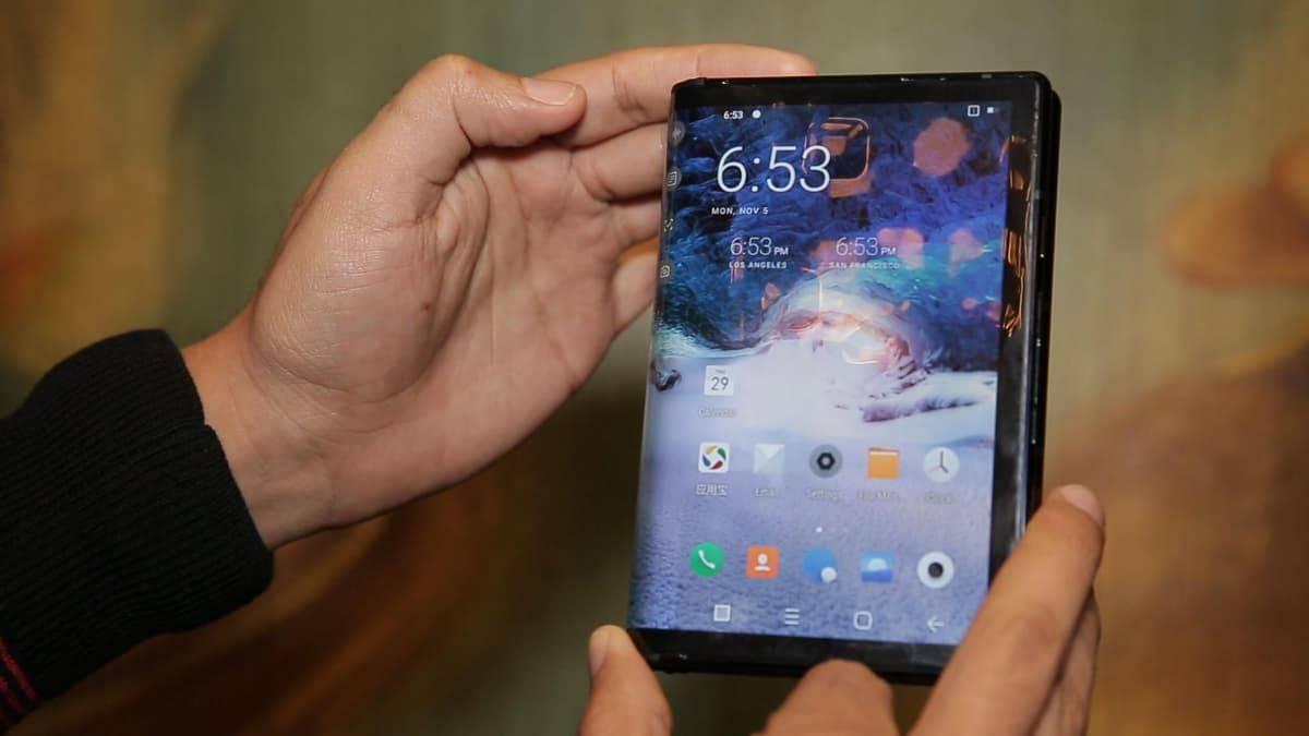 fl-royalflexpai تنها گوشی انعطافپذیر واقعی دنیا در نمایشگاه CES 2019 به فروش میرسد!