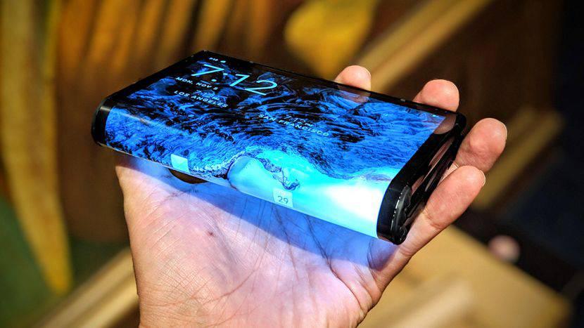 royole-flexpai-celular-plegable تنها گوشی انعطافپذیر واقعی دنیا در نمایشگاه CES 2019 به فروش میرسد!