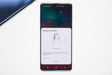 How-to-charge-other-phones-with-your-Samsung-Galaxy-S10