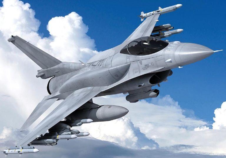 با پرداخت 8.5 میلیون دلار صاحب یک جنگنده F16 شوید!