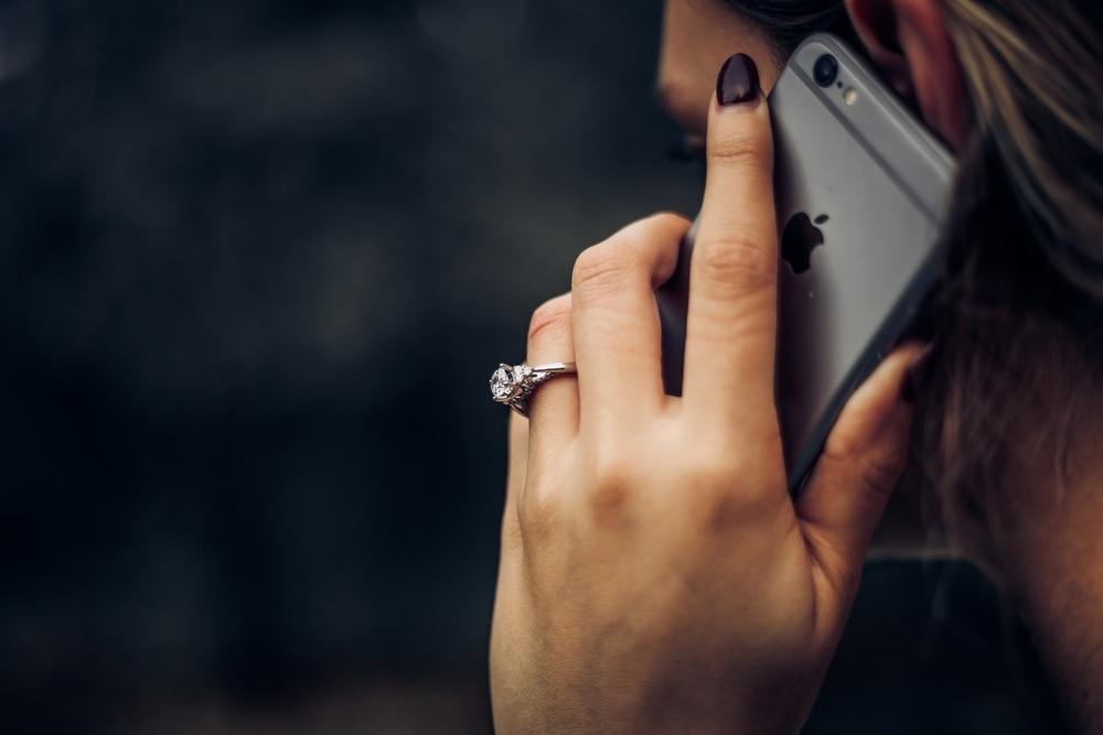 کلاهبرداری تلفنی phone scam